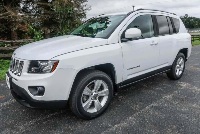 Pre Owned 2017 Jeep Compass Latitude Suv In Elkton 401557 Apple Auto